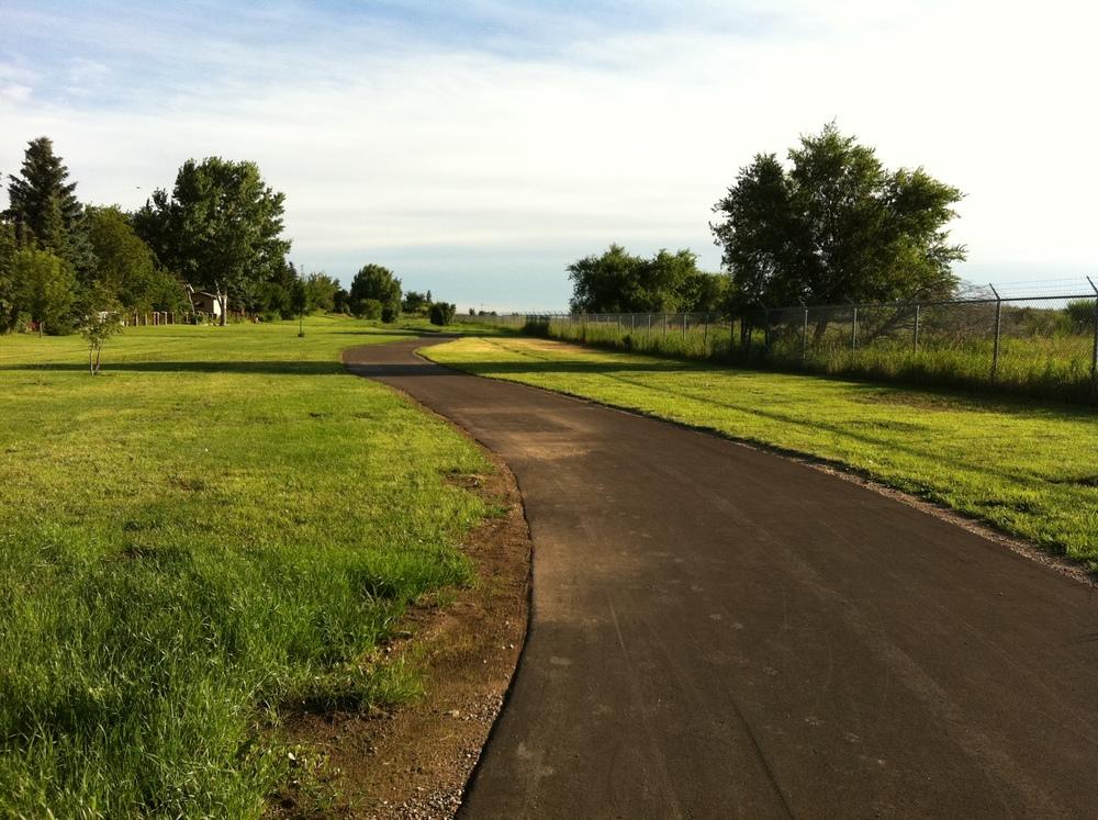 Meewasin Trail looking North in Silverwood Heights East