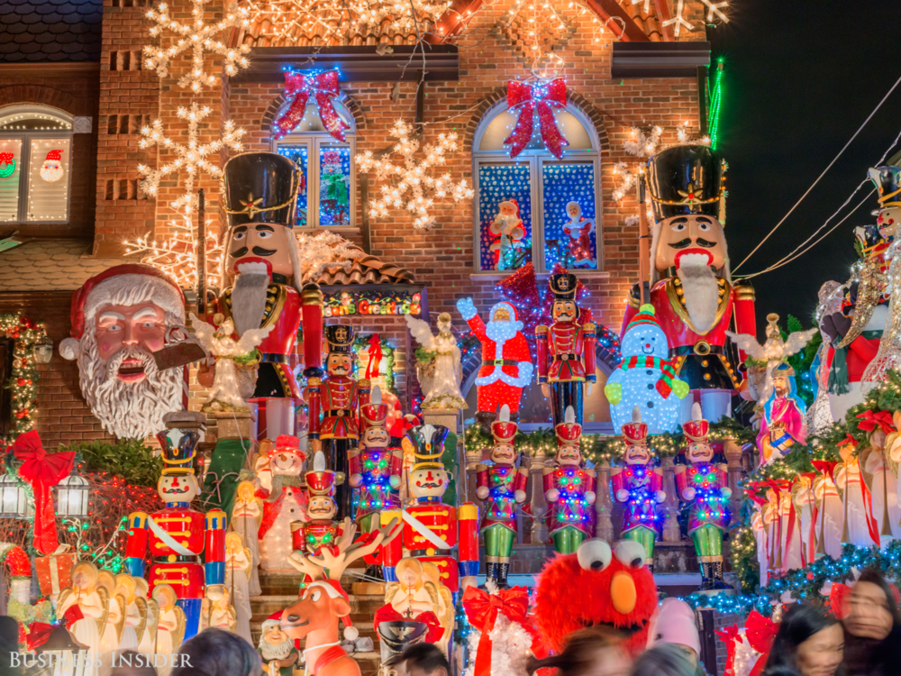 stunning-photos-of-the-brooklyn-neighborhood-that-puts-on-the-best-christmas-light-display-in-america.jpg