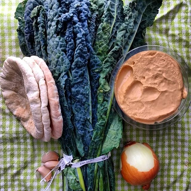 #whatsforlunch pita #sandwich with sauteed lacinato #kale  1. Thin slice kale to cook faster. 2. Saute kale with stock/water, onions and garlic. 3. Spread hummus inside a toasted pita. 4. Stuff pita with kale.  #fridgefinds #eeeeeats #foodilysm #foodporn #foodie #instafood #instagood #forkyeah #newforkcity #eatingnyc #nomnom #burmesefood #foodandwine #saveur #burmanoodlebar #Brooklyn #nyc #noodles #dinner#lunch #vegan #vegetarian