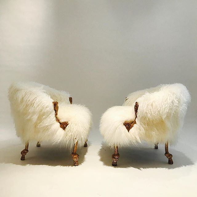 I Style! Another furry pair now available @moxiehouston. Collaboration @dennisbrackeendesigngroup Fabulous custom upholstery work by @dbdgupholstery #modernluxury #luxe #1stdibs #interiordesign  #luxury  #lovemoxie #dennisbrackeendesigngroup #interiordesigner #interiordecor #design #decoration #instalove #instalike #love #picoftheday #photooftheday #style #luxury #designporn #decor #architecture #livewithmoxie #instastyle #elledecor #vogueliving #hothautehouston#architecturaldigest