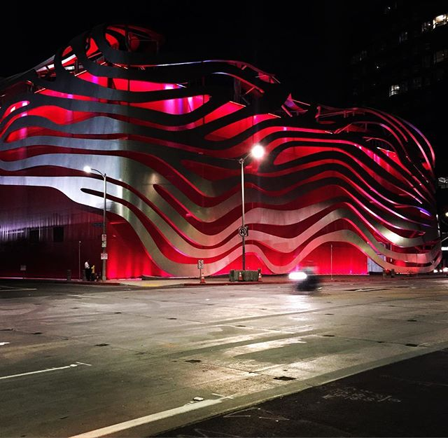 Petersen Automotive Museum #wilshireboulevard 💋
