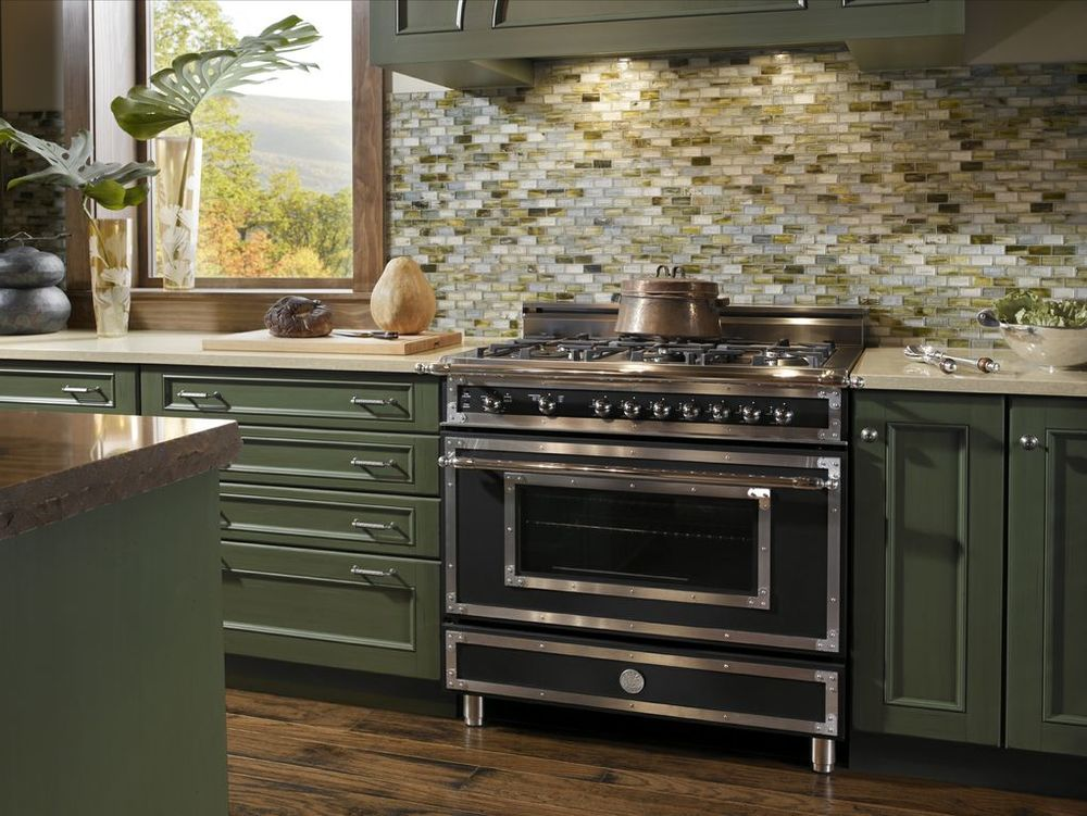 Bertazzoni-Heritage-NE-Range-w-Wood-Mode-Cabinets.jpg