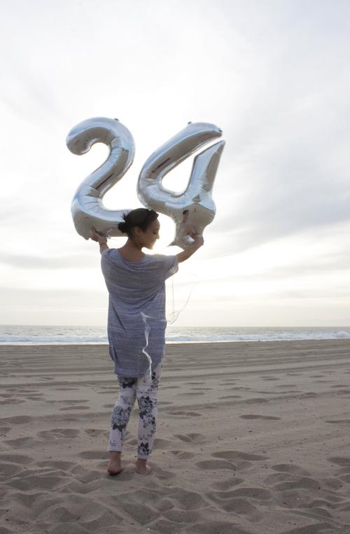 birthday-balloon-beach
