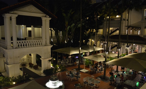 Raffles Hotel Courtyard | Whisky Live Singapore | Whiskey Times.jpg