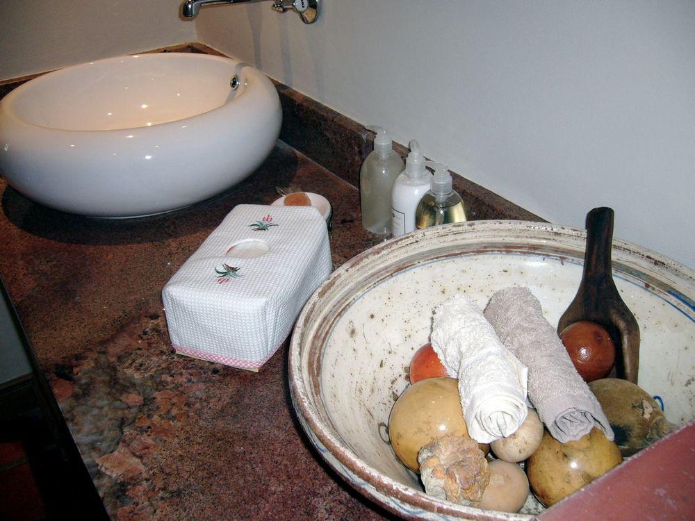 Sandymount bathroom.jpg