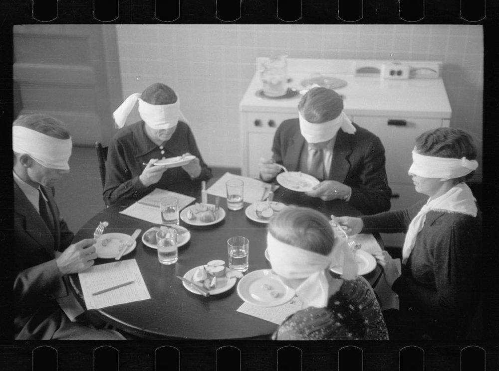 LC-USF33-T01-000234-M2 (b&w film dup. neg.)  Meat testing, Prince George's County, Maryland.