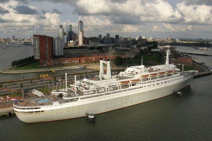SS Rotterdam.jpg