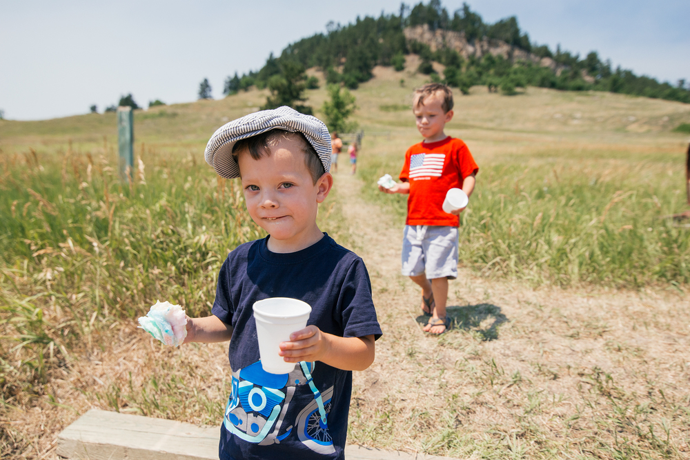 Twin boys at the Black Hills 100