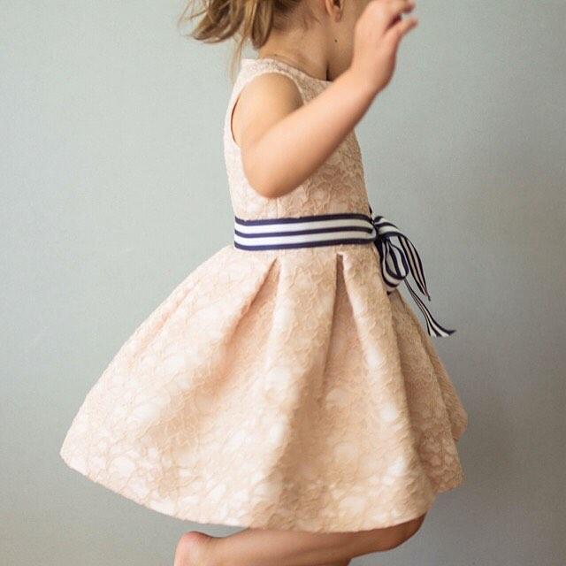 #❤️mingoandgrace #mingoandgrace #flowergirldress (?) #handmade #laceoverlay : @napportunity
