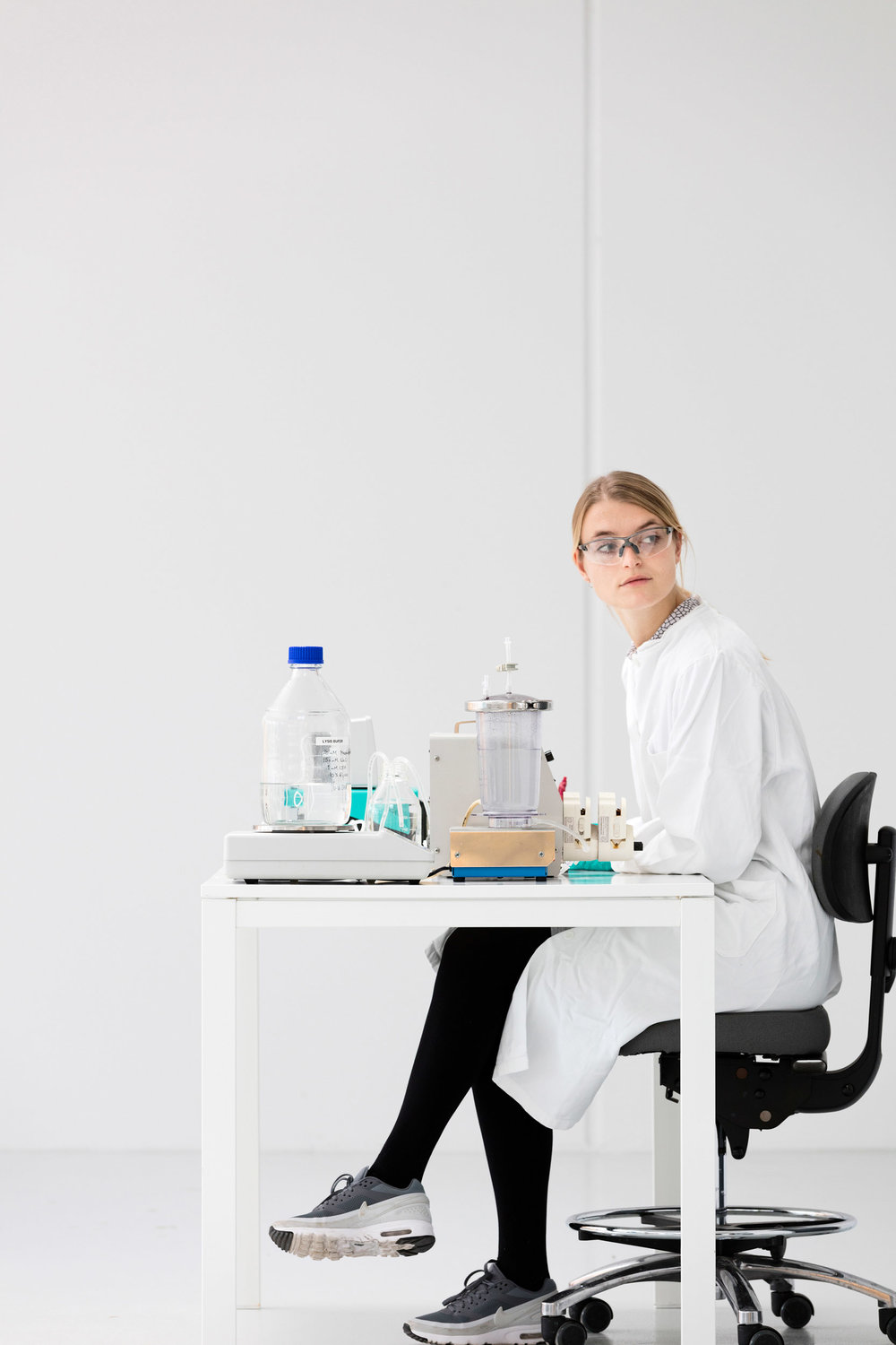 Imaging for the Golgi ApS website, a danish cleantech company  affiliated with another of our clients, Aquaporin.  In collaboration with branding company Umano we photographed at Golgi HQ and in the laboratories on site.
