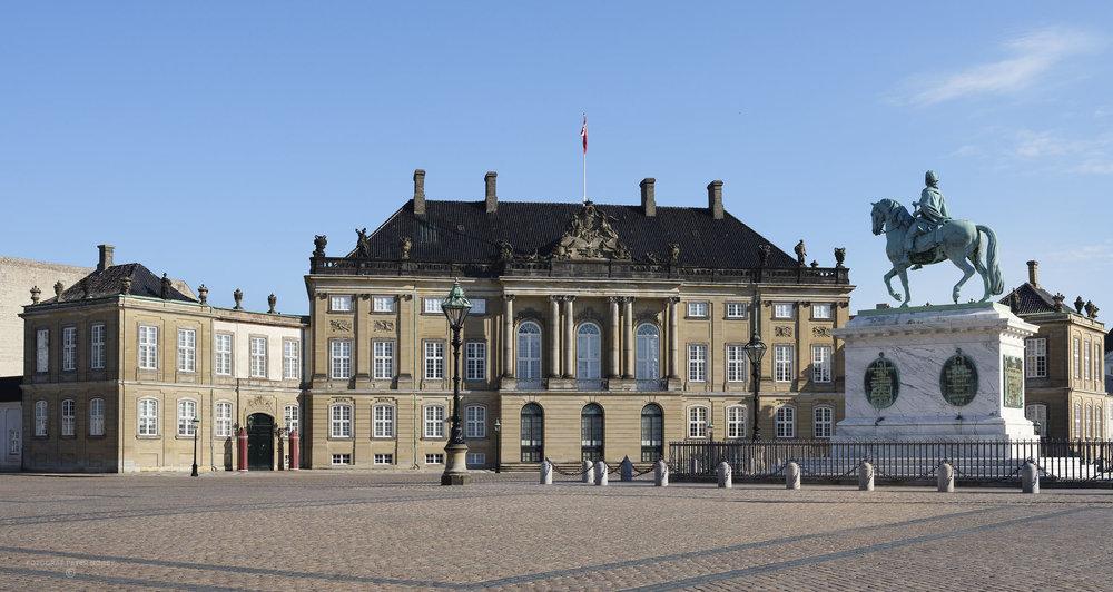 Amalienborg_facader_015.jpg