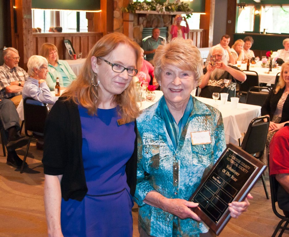 Executive Curator Peggy Derrick and Volunteer of the Year, Marilyn Wood.