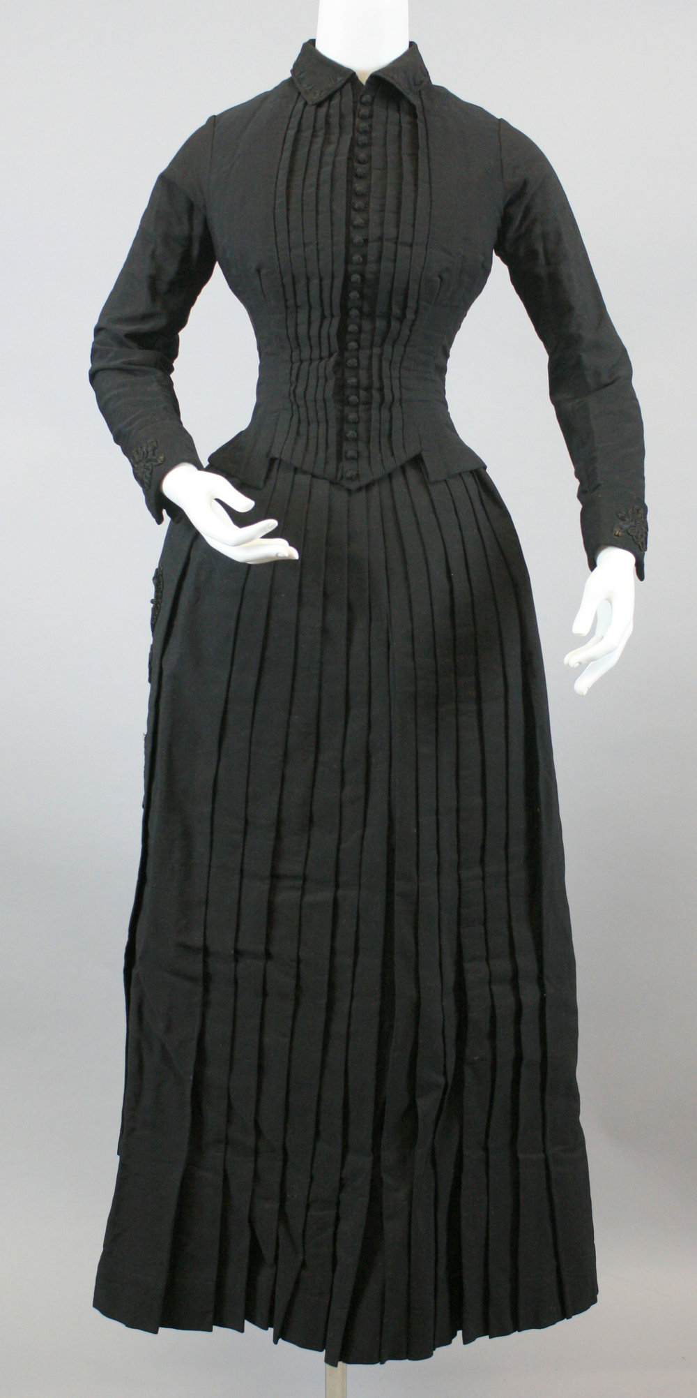Clothing that tells stories. This dress was worn by Louisa Heileman Mueller, daughter of Gottlieb and Johanna Heileman.