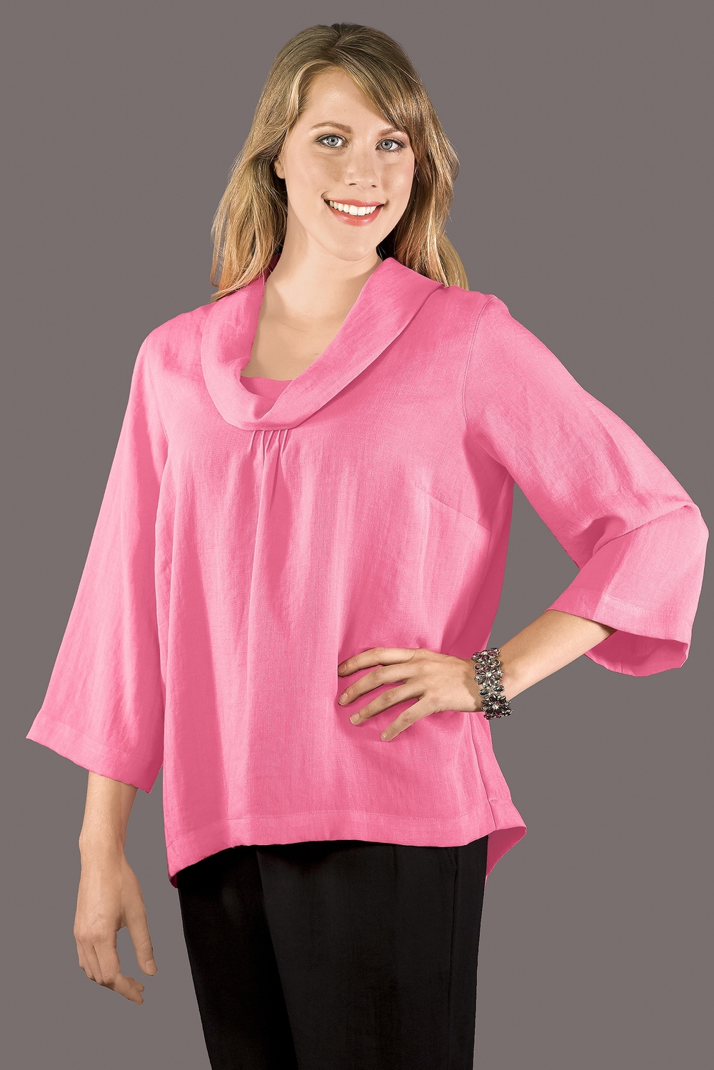 AA129 - Short Cowlneck Pullover    CL3684 - Peony