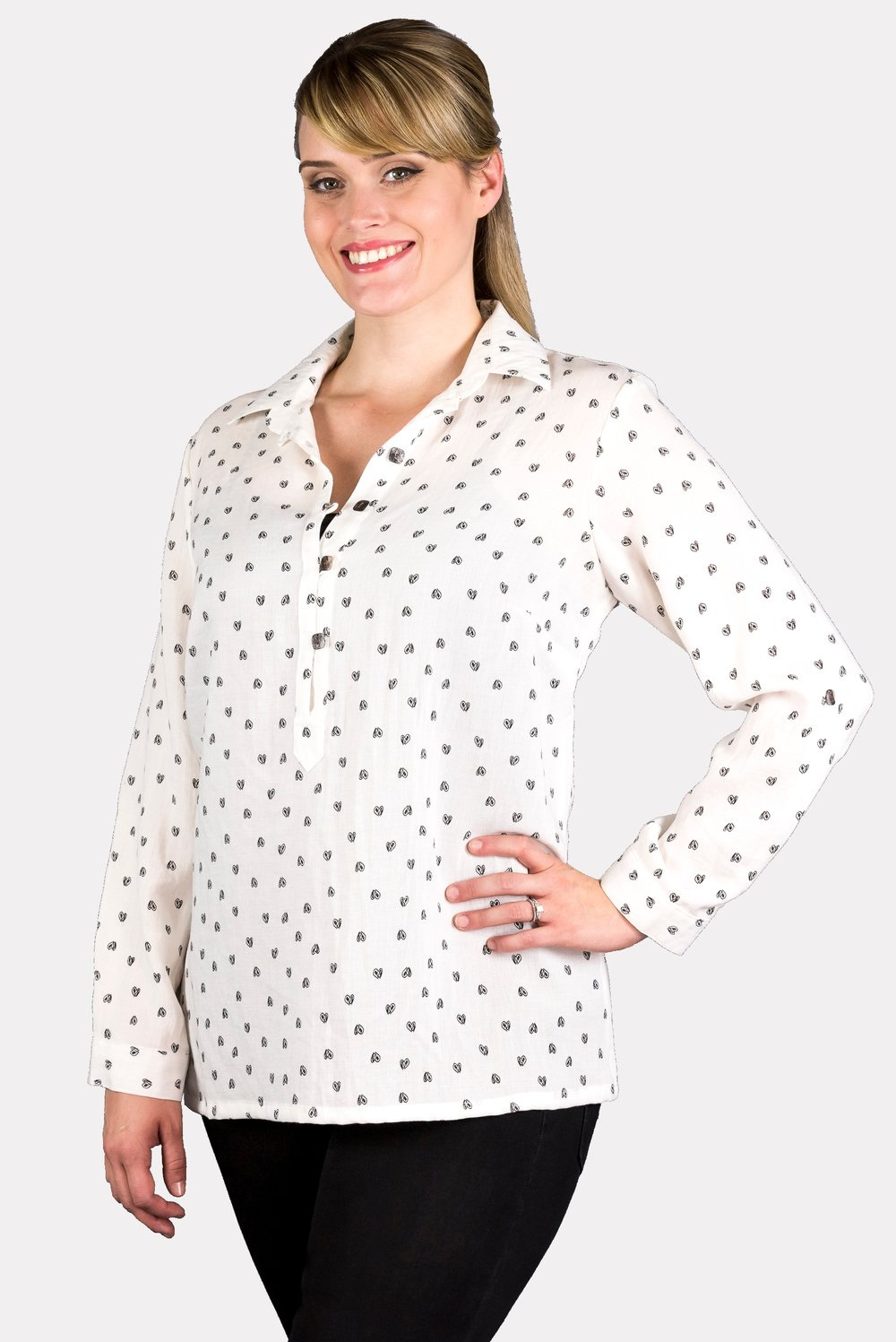 AA76 - Pullover Top w/ Square Buttons    CL387H - White w/ Hearts