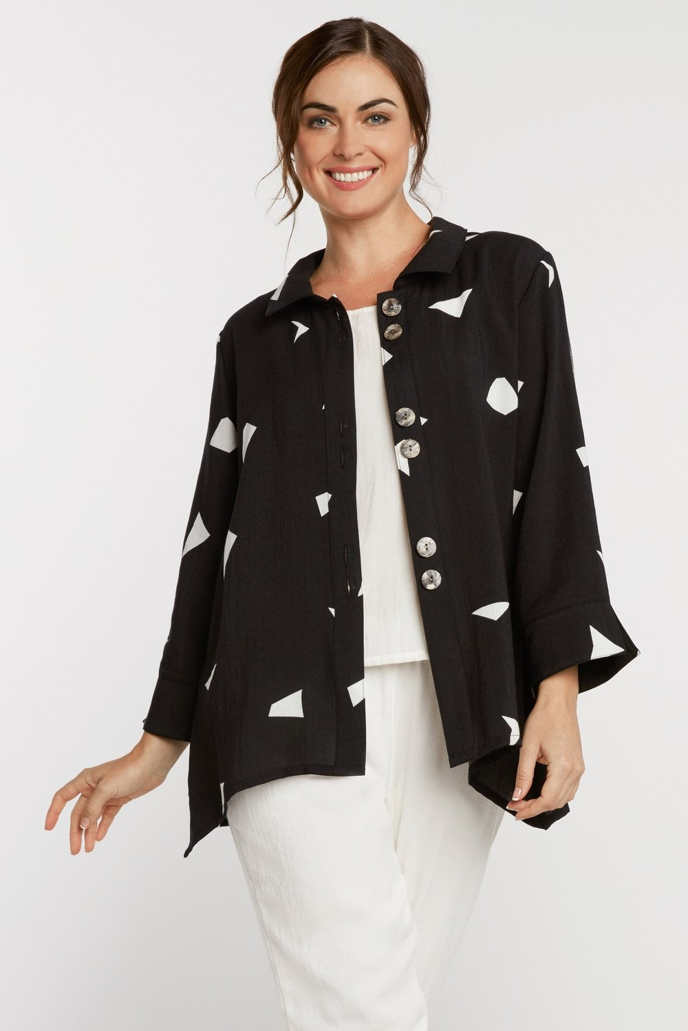 AA132 - Susan's Jacket    CL9333 - Shapes on Black