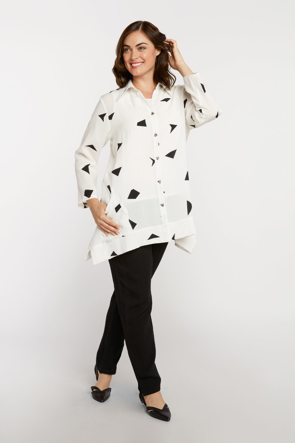 AA222 - Triangle Tunic    Shapes on White - CL9239