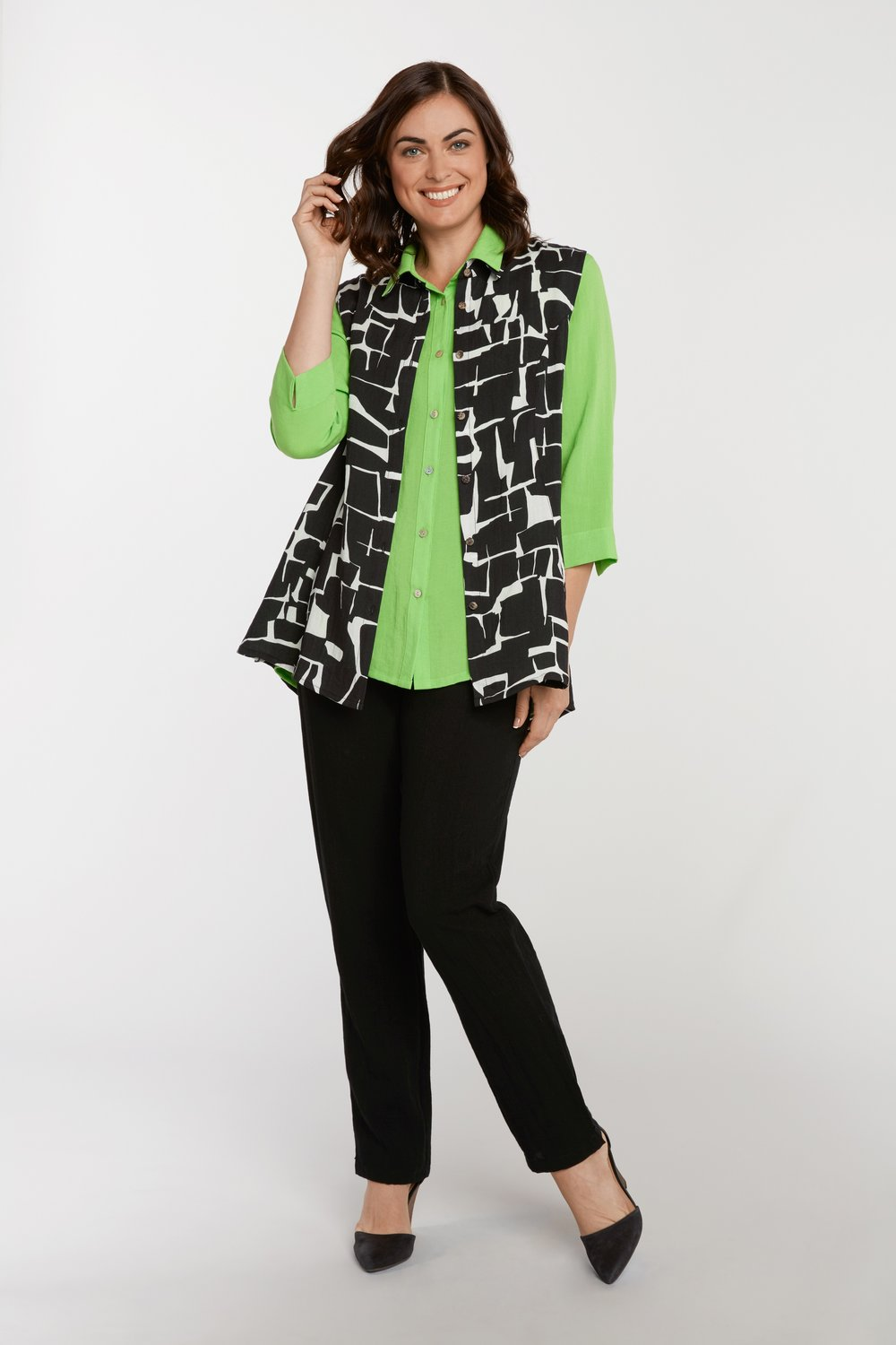 AA223 - Betty Button-Up Vest & AA224 - Veronica Button-Up Blouse    Crackle - CL9238 & Bali - CL2566