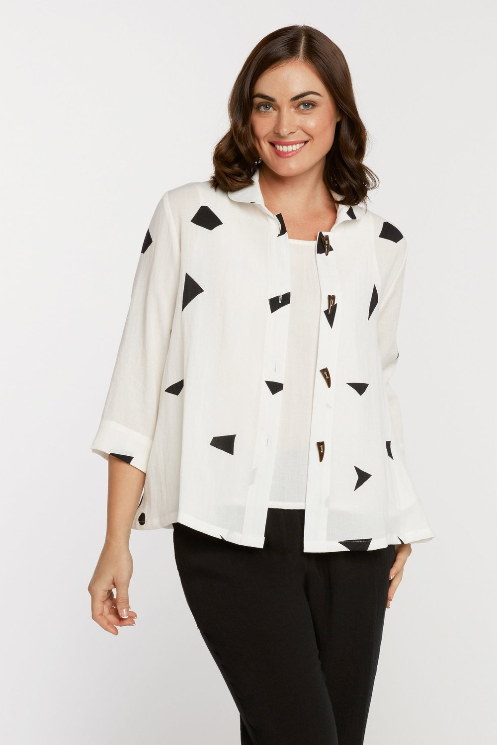 AA85 - Short Horn Button Jacket    CL9239 - Shapes on White