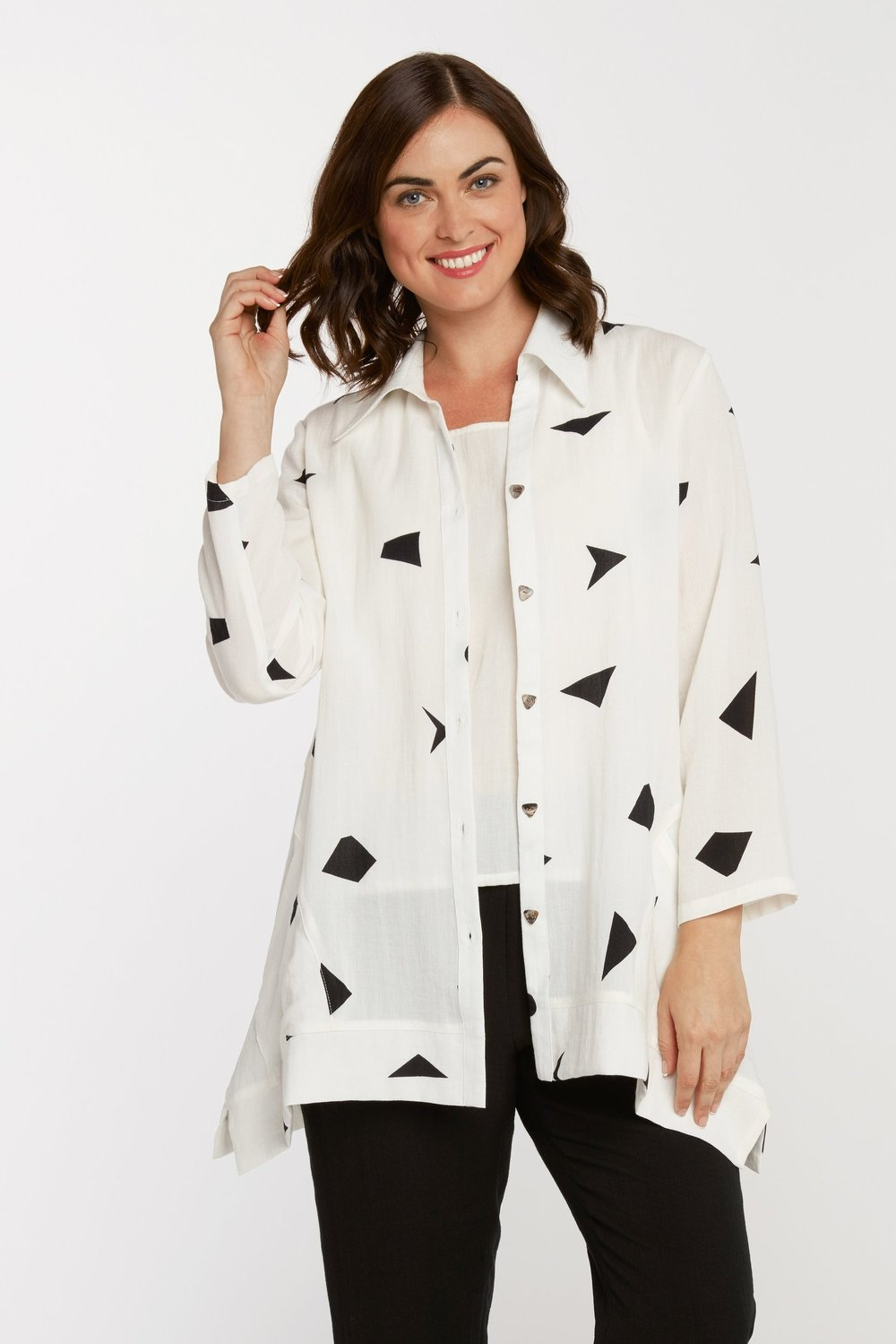 AA222 - Triangle Tunic    CL9239 - Shapes on White
