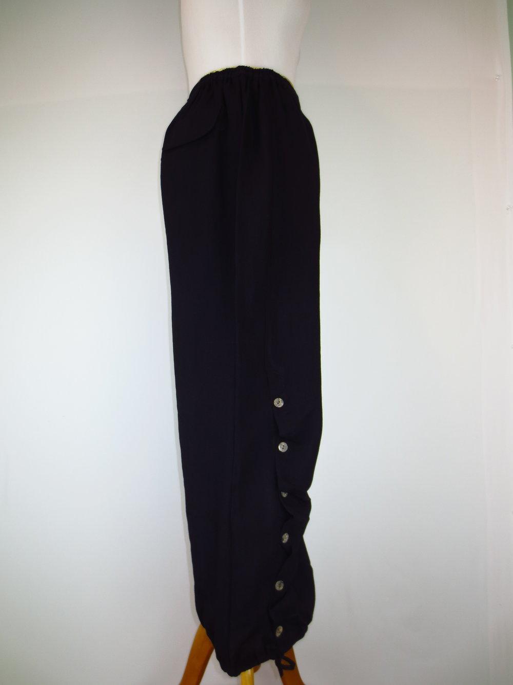AAPT10 - Black (2).JPG