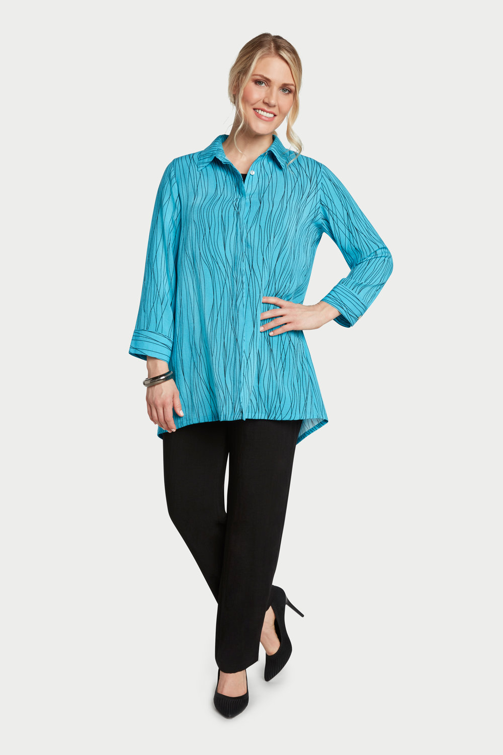 AA228 - Anna Marie Blouse    Caribbean Waves - CL2567W