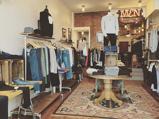 Merry Christmas. We are here til 1 ish. 🎄🎅🏽⛄️ #style #Pittsburgh #Christmas #lawrenceville #shopsmall #shoplocal #holiday