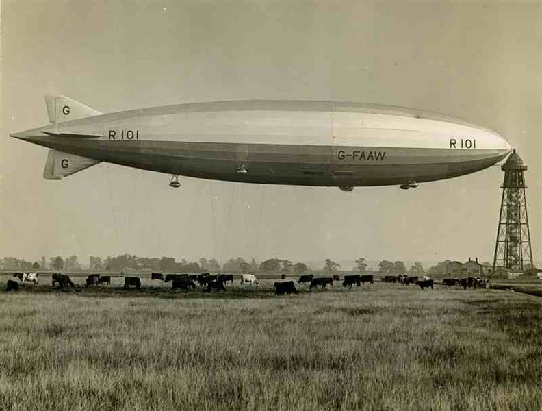 His Majesty's Airship R-101 at its mast.