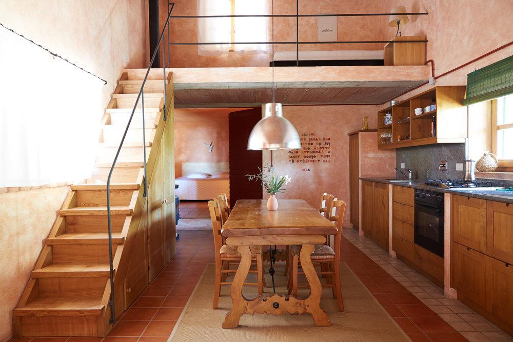 Das einfache, alleinstehende Haus am Hang, für 2 bis 3 Personen. Ab CHF 110.-/Tag (Nebensaison); Auf Anfrage