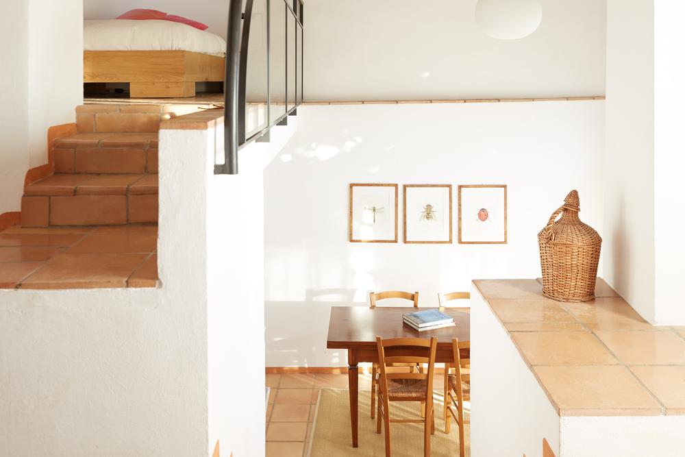 Die spektakuläre Wohnung auf drei Ebenen mit offenem Layout, für 2-3 Personen. Ab CHF 165.-/Tag (Nebensaison)