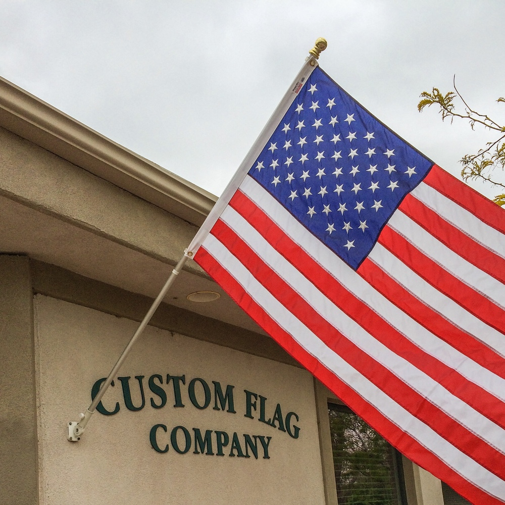 Rotating Flagpole with US flag