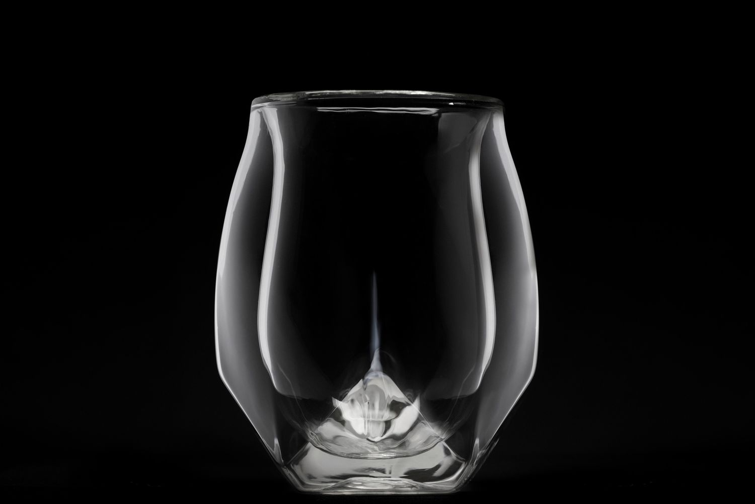 510b9b6b7e08 First Impressions Drinking from a Norlan Whisky Glass — whisky.buzz