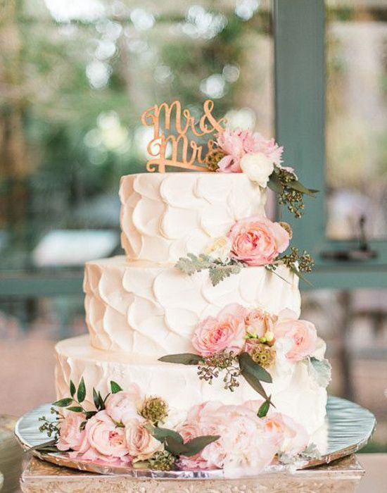 Photography by: Rachel Solomon    with cake by  Honey Moon Sweets