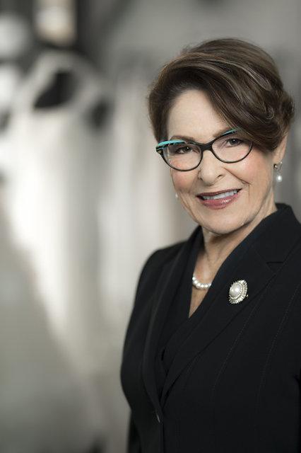 Tina Mclean   Stylist