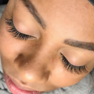 Classic Lash Full Set by Junior Lash Artist Kelly.