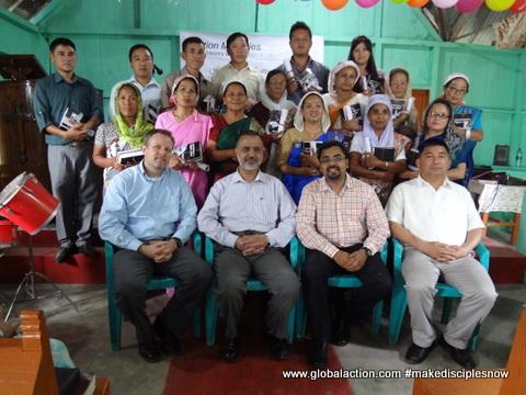 Takling GLOMOS Graduates 2015.JPG