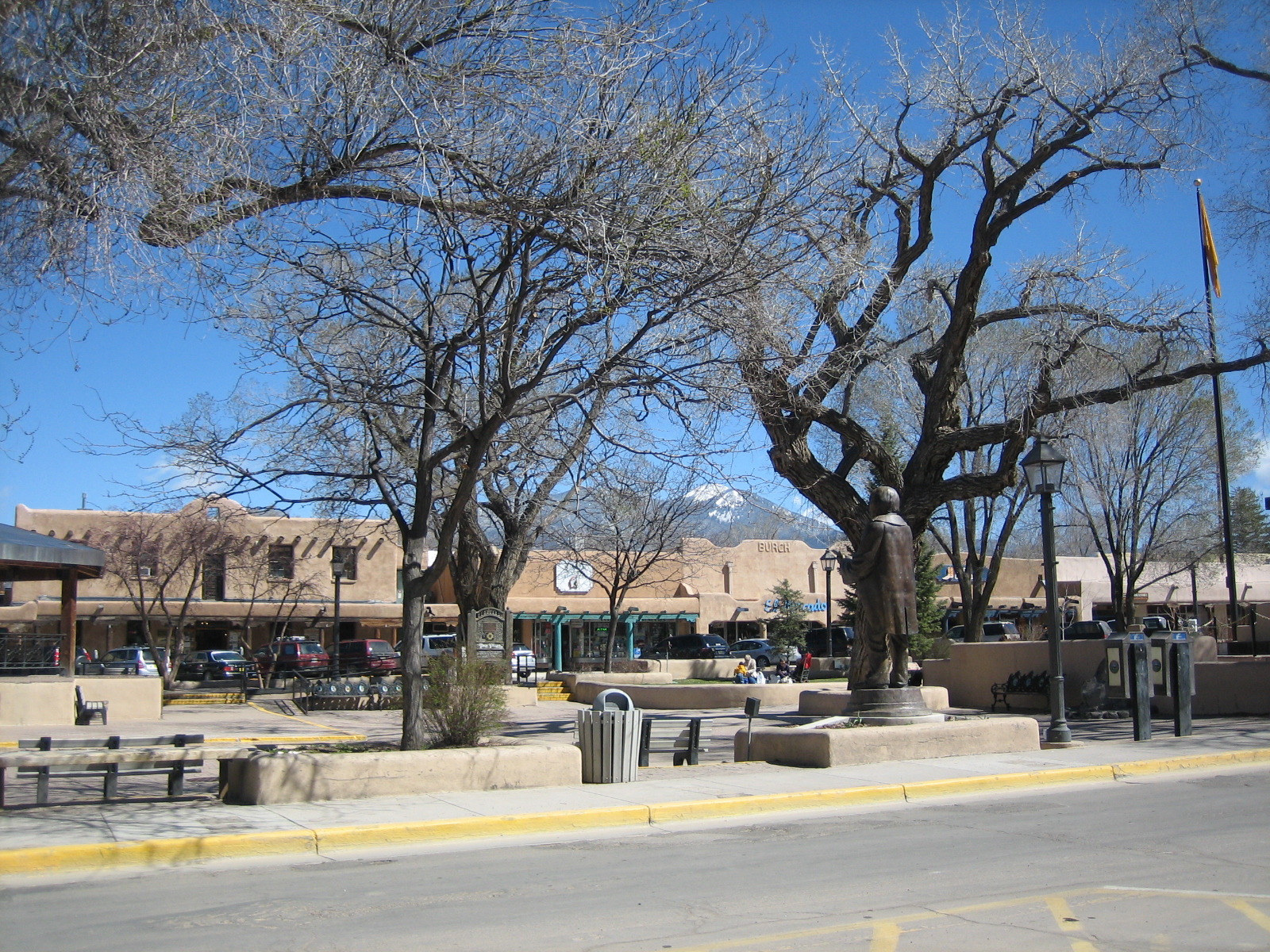 033107 Taos Main Square