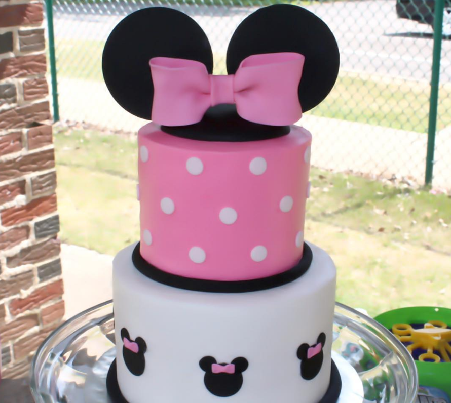 minnie  cake.PNG