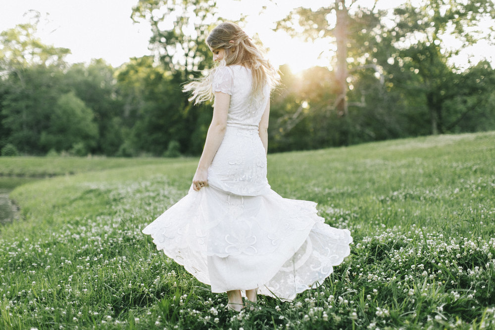 white dress alabama outdoor wedding temperley london