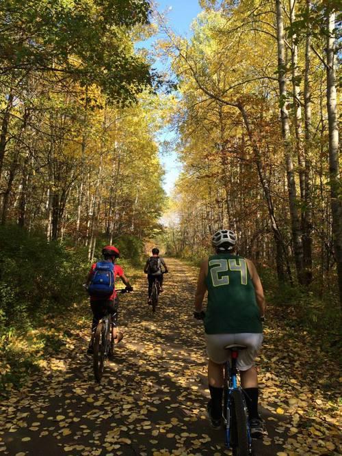 fall+mtn+biking+at+cuyuna+country+mn.jpg