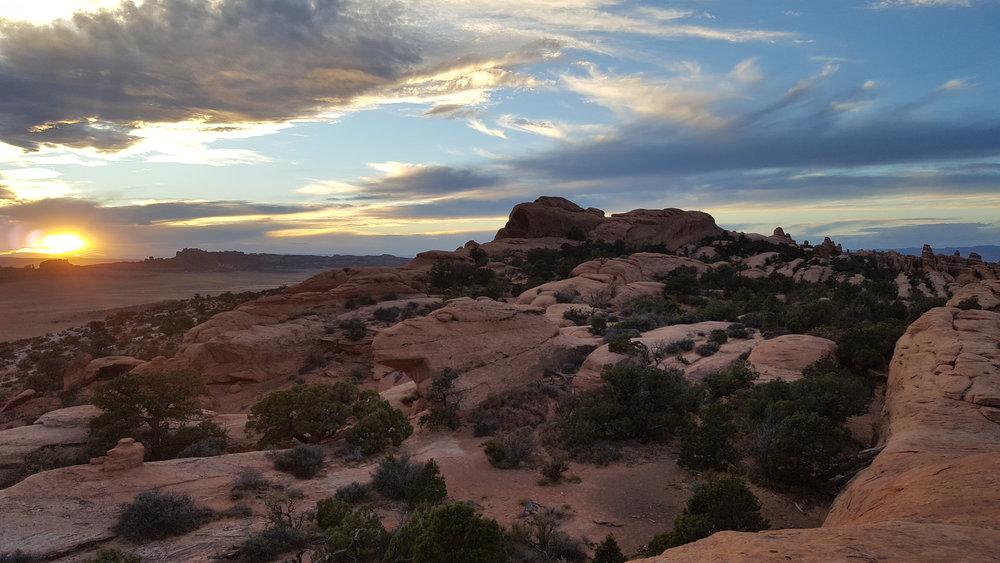 6-sunset-arches-double-O-rekinspire.jpg