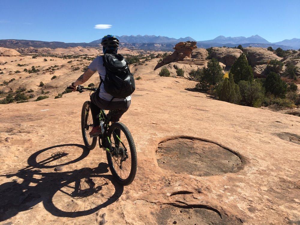 Slickrock-mtn-biking-rekinspire-2016October-Moab.jpg