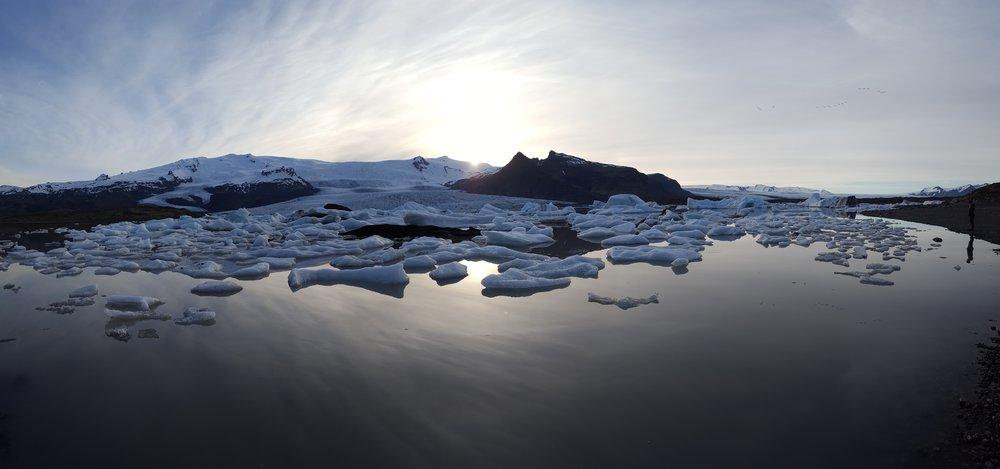 13 - glacier lagoon with Julie pano.jpg