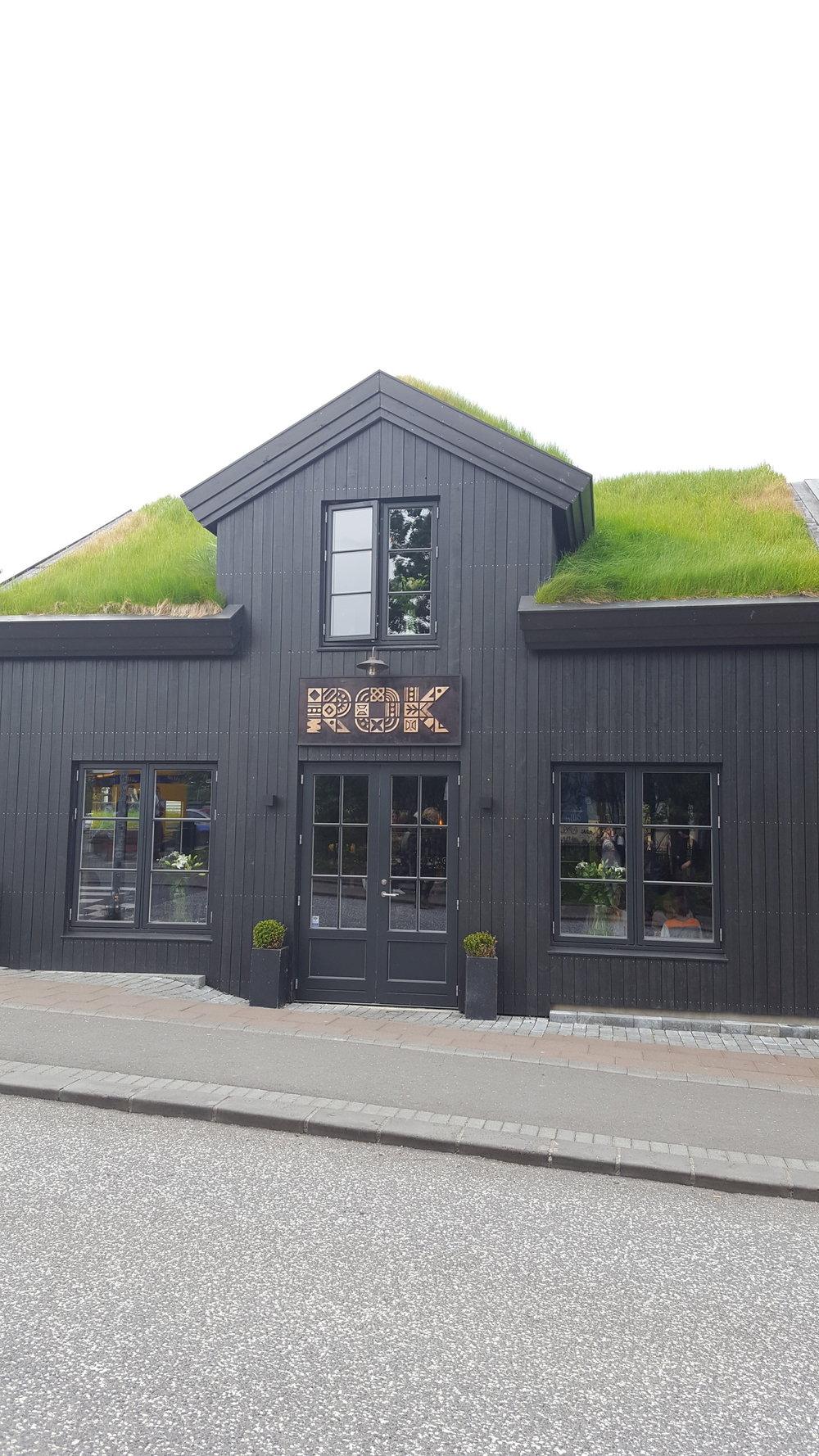 64 - green roof bar.jpg