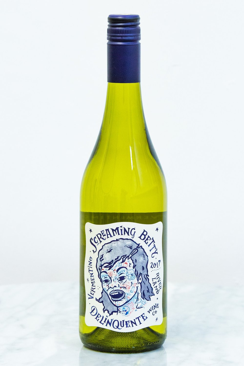 VERMENTINO is far more sassy than a savvy b. Tracing their origins to the island of Sardinia in the south of Italy, these gonzo grapes have completely embedded themselves in the warm, dry climate of the Riverland. Blonde tips with a citrus soul, this gang of grapes will leave your palate happy with a clean, crisp and floral lift.