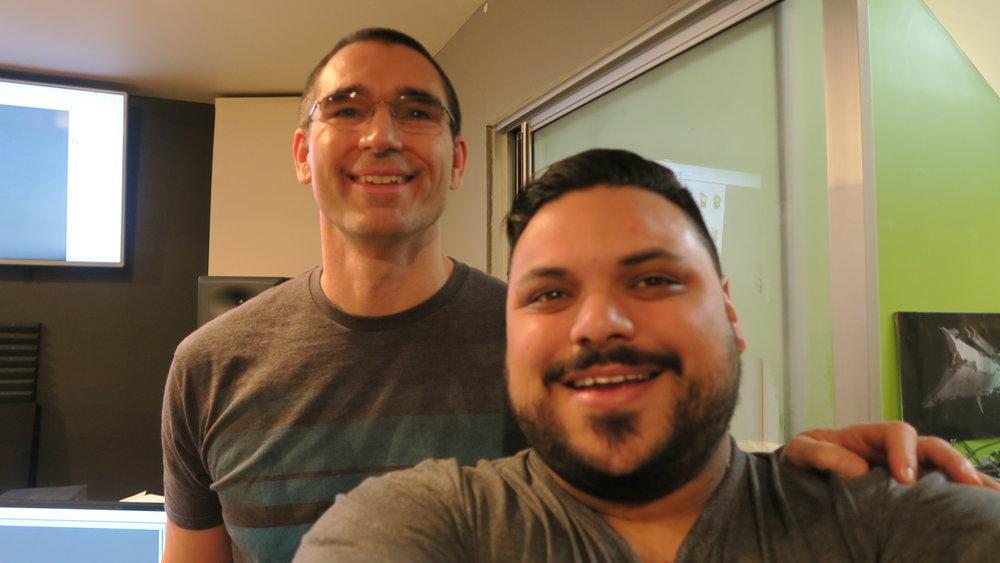 Eu e o Dale durante uma das sessões de gravação na SomaTone