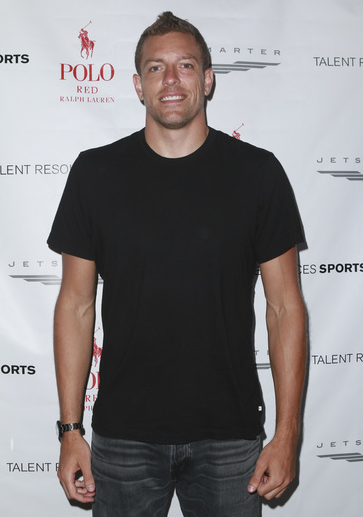 NBA Player David Lee attends 2016 ESPYs Talent Resources Sports Luxury Lounge Powered by JetSmarter. Photo Credit: Getty Images for Talent Resources.