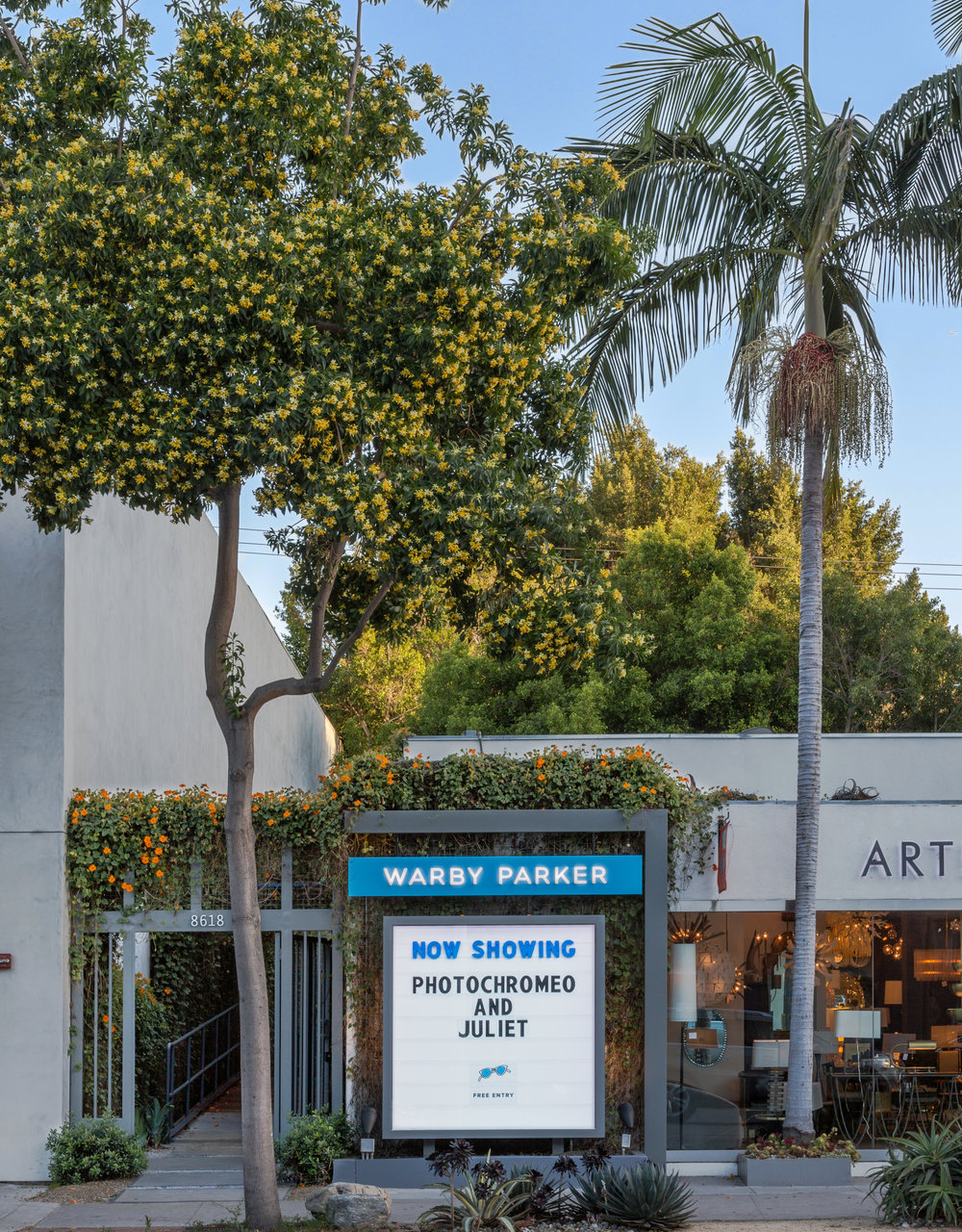 The Chic Establishment Gives a Unique Take on Hollywood! Courtesy Photo