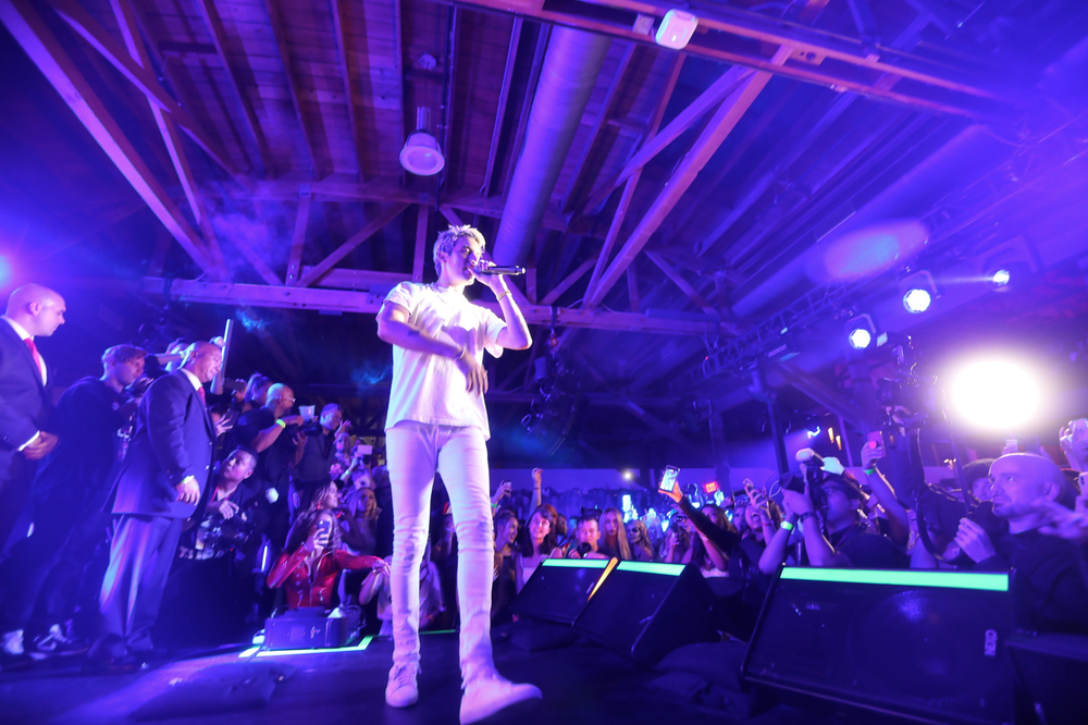 "G-Eazy performed ""No Limit"" at  The Kandy Halloween Party produced by Karma International  over the weekend in Hollywood, CA, which was sponsored by  Kandyshop Bikinis  and  Provincial Vodka ."