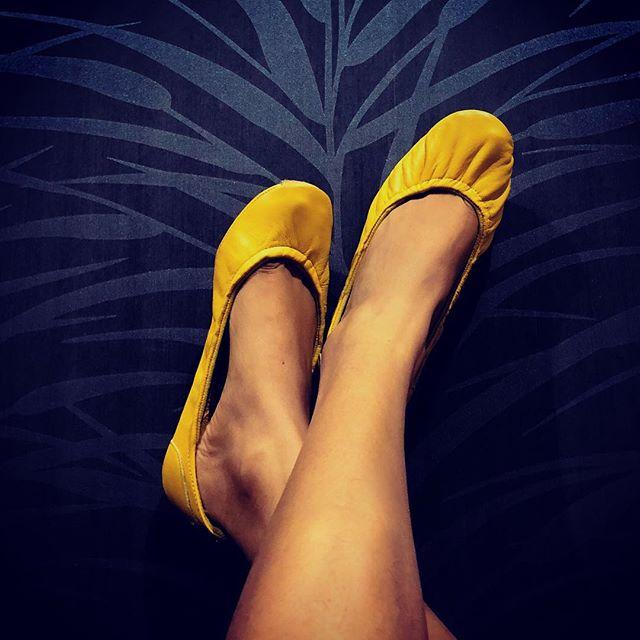 Happy almost weekend! #tandncollection #nycstyle #lastyle #citygirl #citystyle #citylife #balletflats #shoes #monogram #monogrammed  #bostonblog #fashionblogger #miamiblog #chicagostyle #chicagoblogger #texasfashion #lablogger  #panhellenic #christmas #balletflats #ballerina #miamiblogger #fblogger #silver #londonfashion #fashionista  #mommytobe #fashion #dance #fashionblog #travelblogger